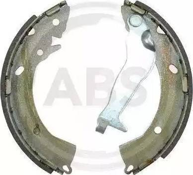 LPR 08670 - Setul de franare, frane cu tambur reperautotrans.ro